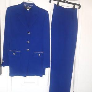 Beautiful Blue Knit St. John Collection Pant Suit